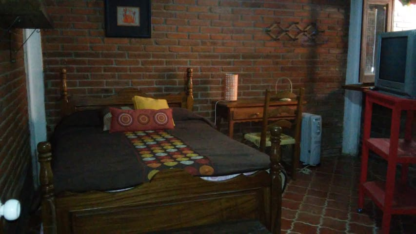 Una linda recámara/A nice bedroom in Pátzcuaro - Patzcuaro - Maison