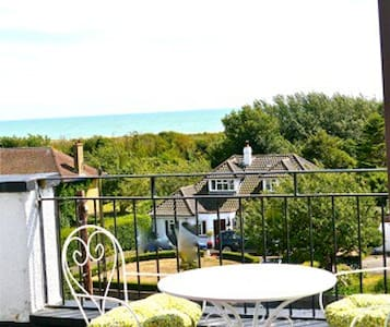 Apartment with tropical Sun Retreat - Hythe