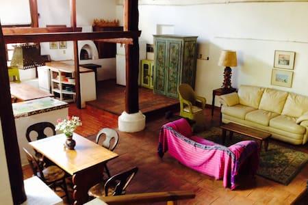 Sunny House in Patzcuaro Area - Erongarícuaro