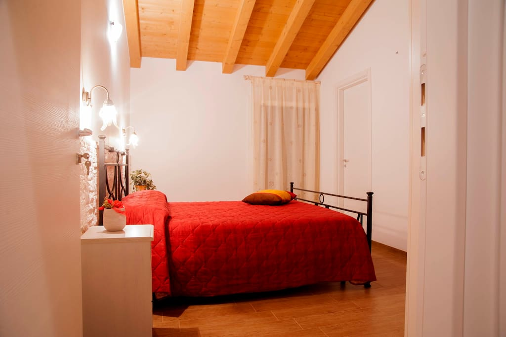 200 meters from airport single room chambres d 39 h tes for Chambre airport