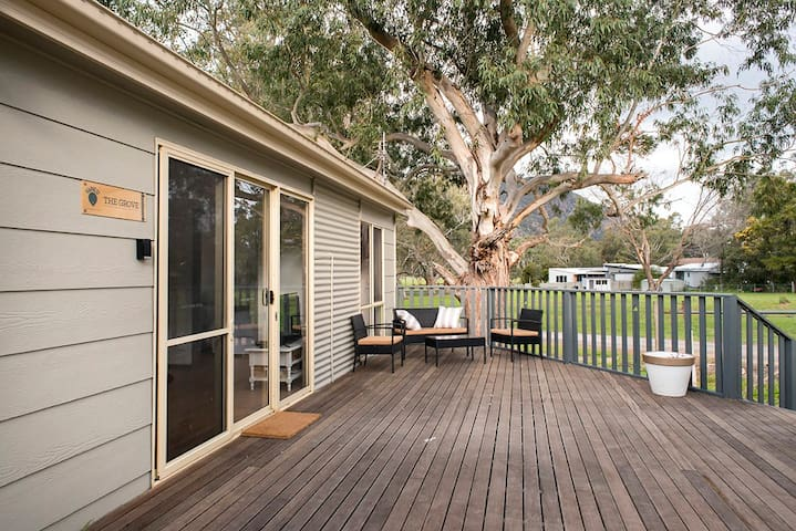 Relax at The Grove - Halls Gap - House