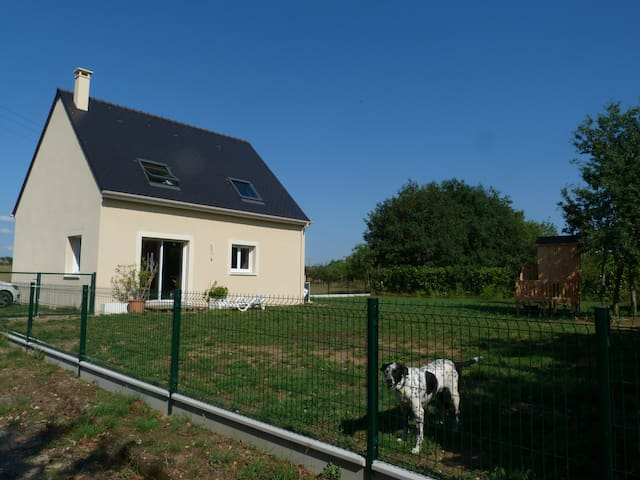 Country home 15min from the circuit - Roézé-sur-Sarthe - 一軒家