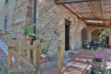 Podere Paola Vinci Hilltop villa 7p - Vinci - Rumah