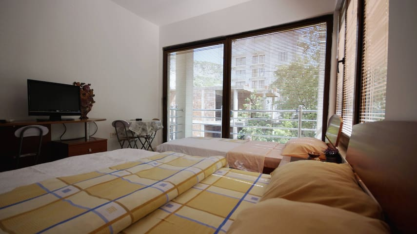 Banovic Apartments ★★ Room with Pool Access ★★