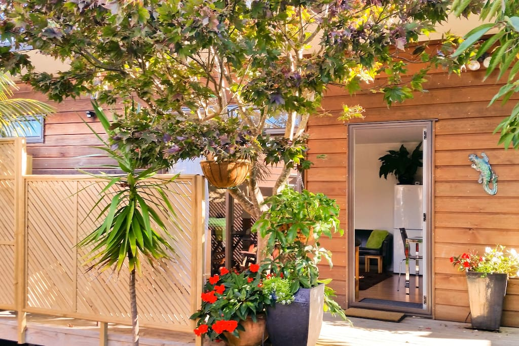 Sunny, fully self-contained and separate studio with own outdoor living.
