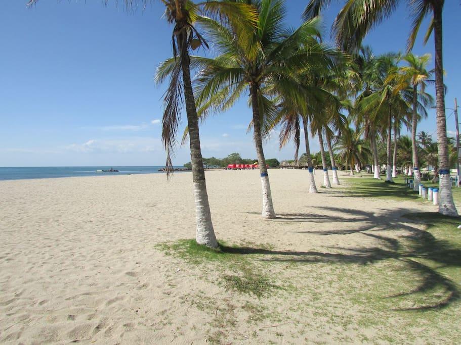 Caba a en la mejor playa de cove as caba as en alquiler - Cabanas en la playa ...