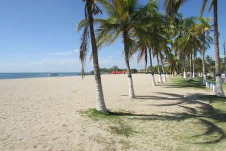 Cabaña en la mejor playa de Coveñas - Coveñas - Kulübe