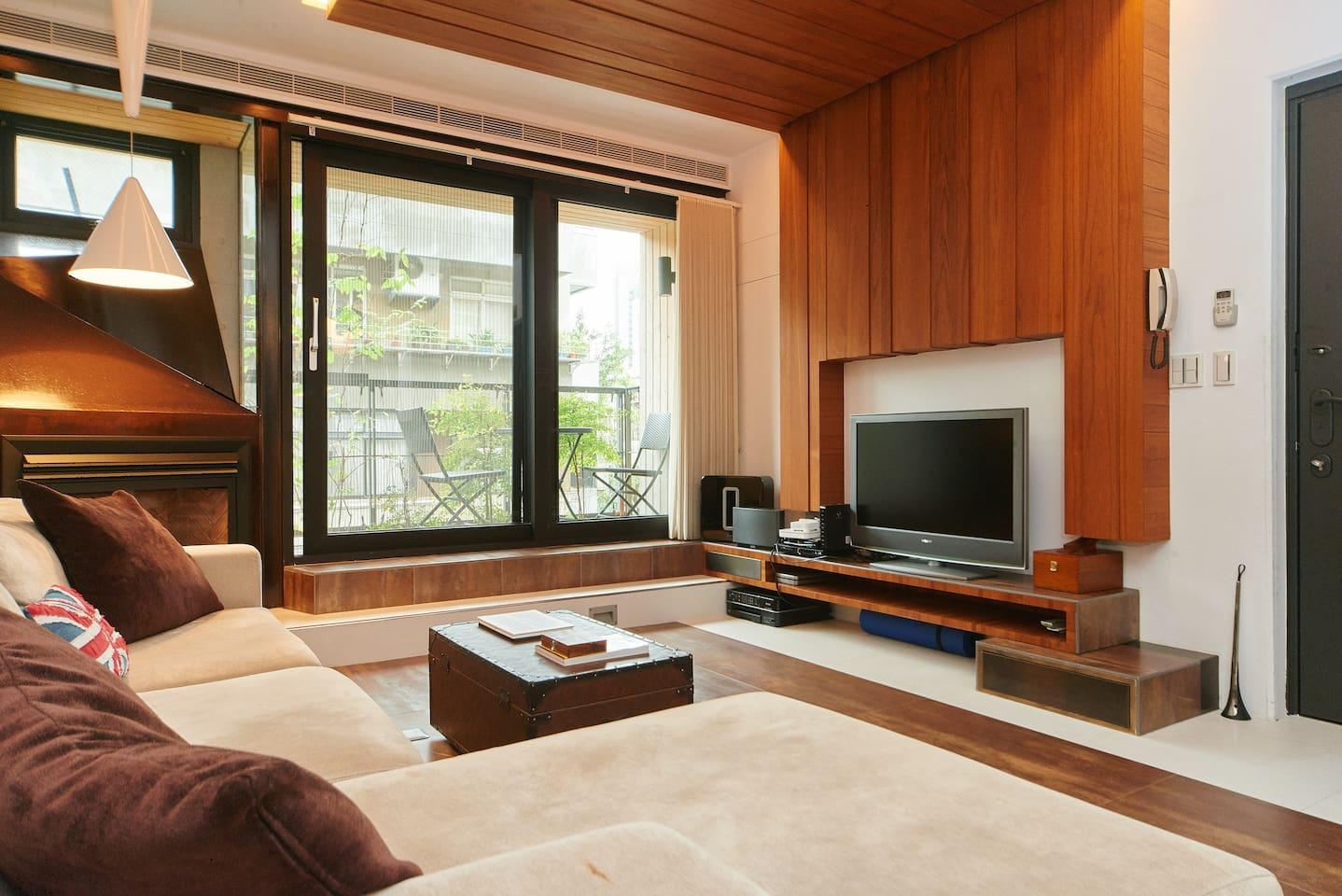 Main Room - Sitting Area