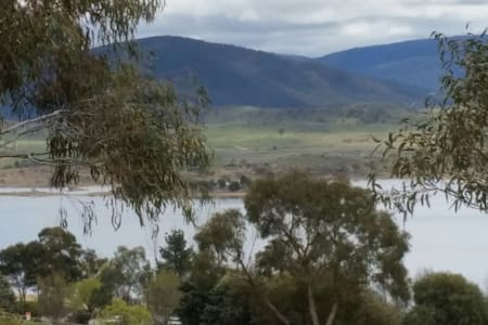 Great view of lake and comfy living - Jindabyne - Daire
