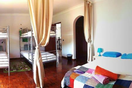 Gui's Place Family Room - Aroeira