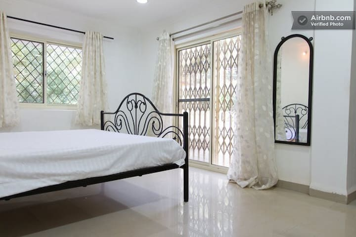 Enjoy Inn Bungalow for 10 guests  - Mapusa - Byt