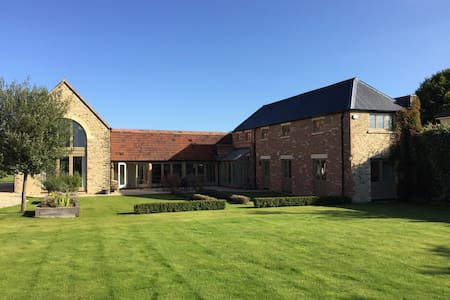 4 Bed 4 Bath House in 2.5 Acres - Fairford