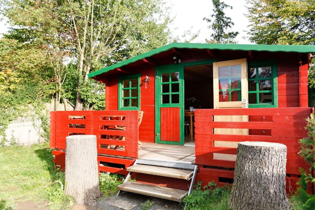 generous log cabin cabins for rent in wetzlar hessen germany. Black Bedroom Furniture Sets. Home Design Ideas