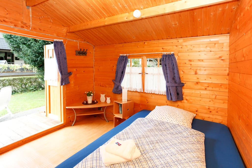 Sweet log cabin in wetzlar minicase in affitto a wetzlar for Persiane delle finestre di log cabin