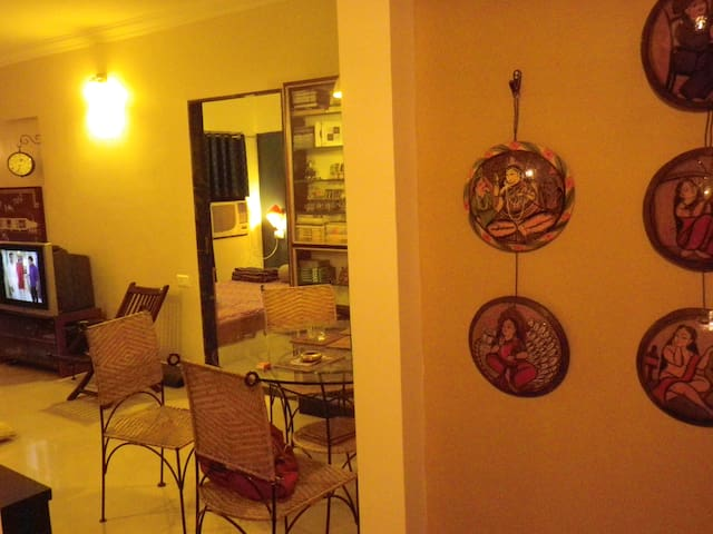 Home W Modern Amenities in Malad E - Mumbai - Apartment