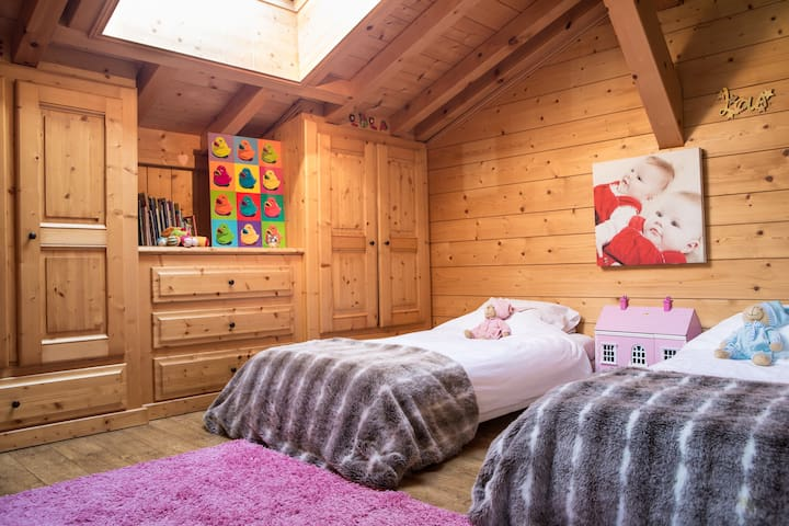 Charming 4* traditional Chalet - Servoz - House