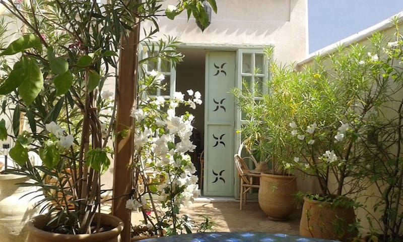Beau Riad for Rent - Fes - House