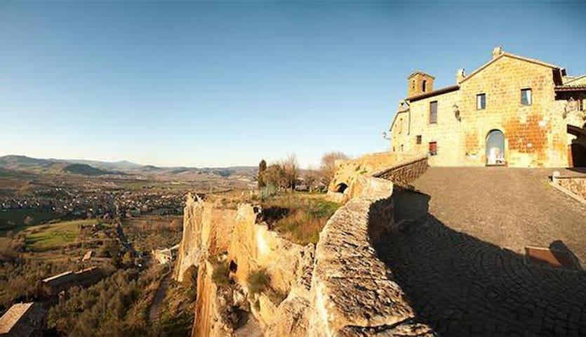 """Casa Storica con Panorama """"Casa San Giovenale"""""""