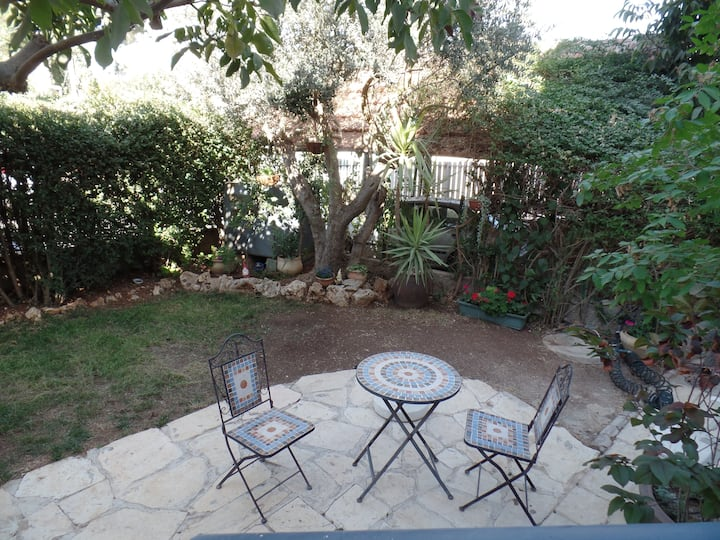 Jerusalem view, garden apartment