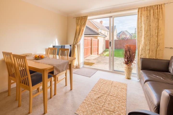 Kingsize comfy room in Peterborough