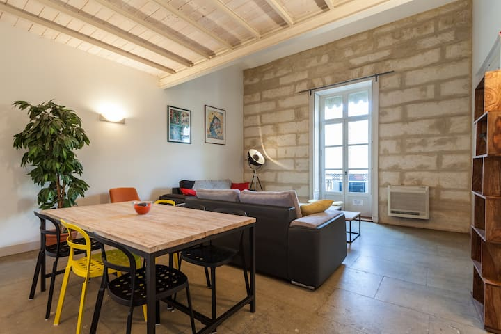 Appartement in center town 100m2 of space, confort