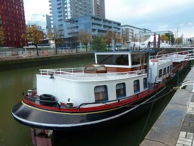 Boat-Hotel R'dam: 8 pers. apartment - Rotterdam - Barca