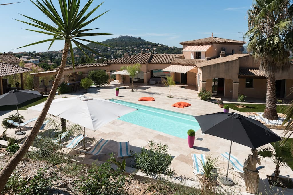 Bastide provencale avec piscine villas for rent in la for Piscine la seyne sur mer