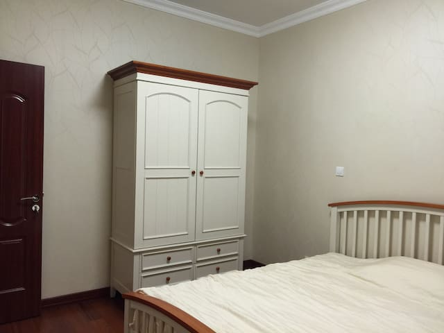 2 bed rooms in a courty side villa - Kunshan - House