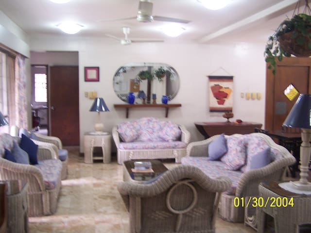PSC-SEND Guesthouse - Cainta - Bed & Breakfast