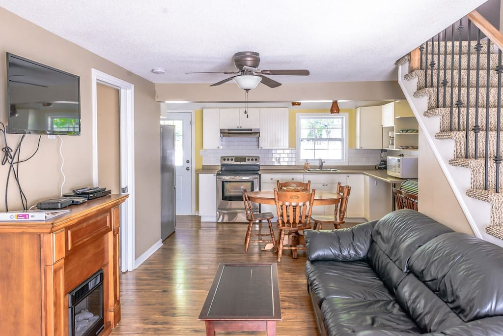 Open concept living, dining and kitchen area