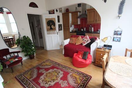 Beautiful double bedroom in Camden - ลอนดอน