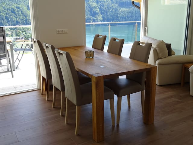 Luxury home overlooks Lake Millstat - Döbriach - Hus