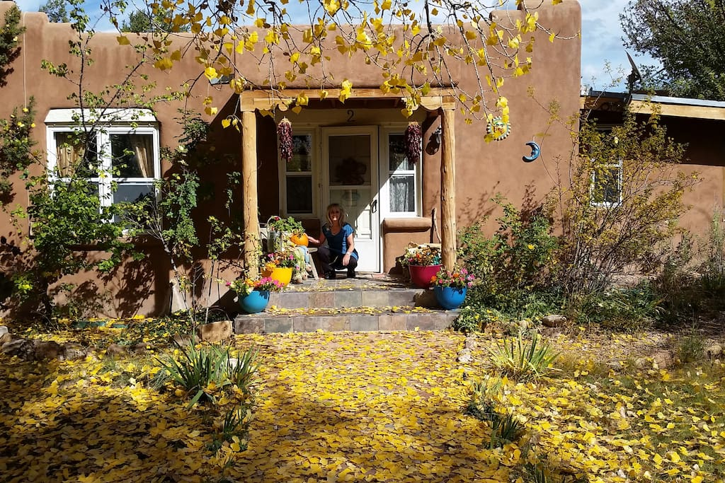 Autumn at Freeman's Cottage entrance