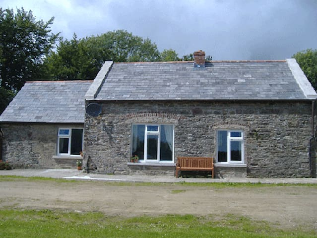 Traditional Irish Cottage for 4 - Campile - Hus