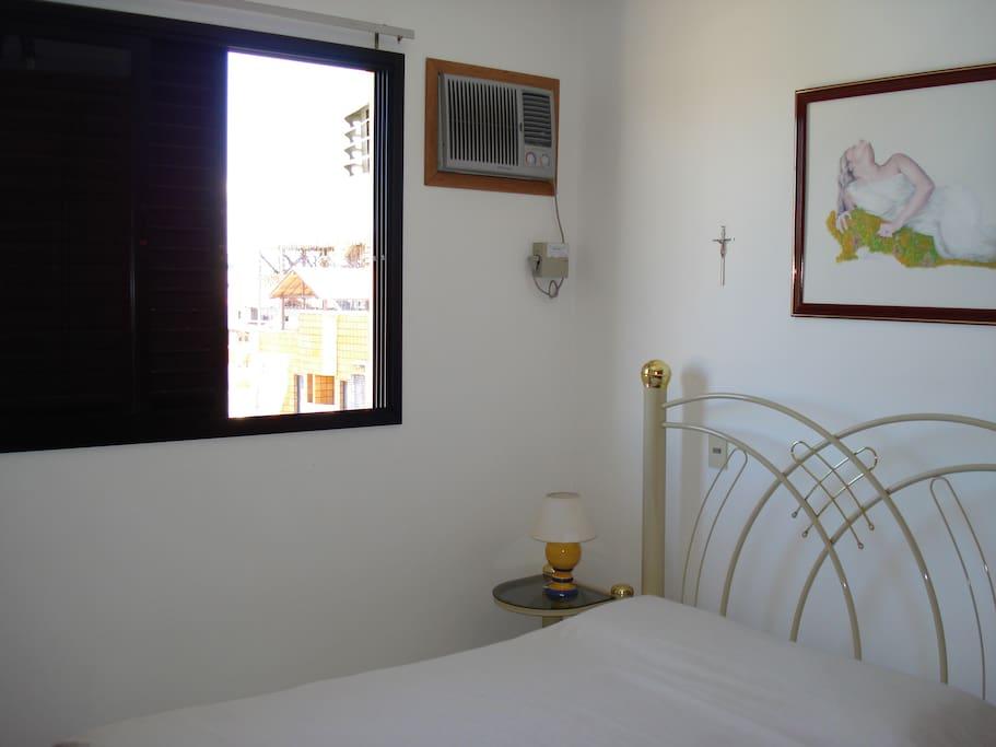 Dormitorio  (Dormitório) *