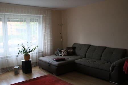Ein großes helles Zimmer - Stuttgart
