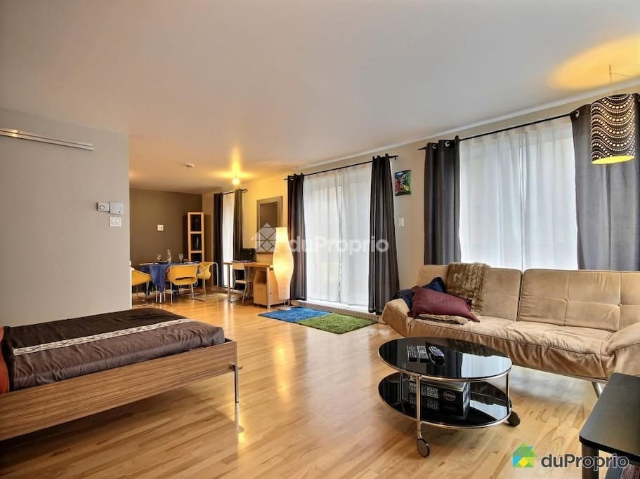 Le faubourg contrecoeur lofts for rent in montreal for Don meuble montreal