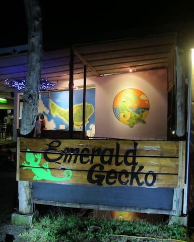 Bamboo Bungalow 1, Emerald Gecko, Neil Island