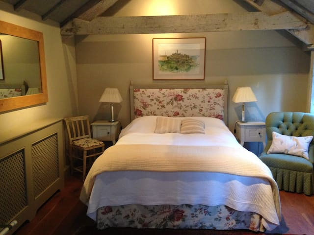 Romantic barn hideaway near Bath - Combe Hay - Pousada