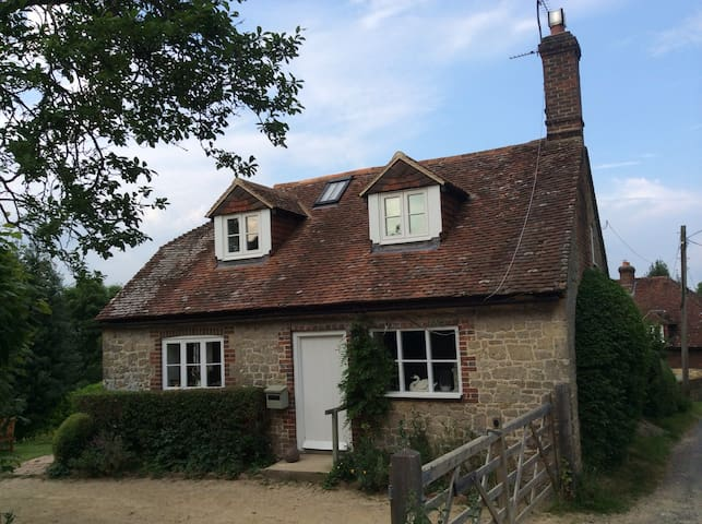 Cosy cottage in gorgeous location - West Sussex - Casa