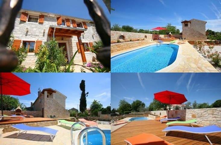 VILLA GRAZIA - beautiful villa with swimming pool