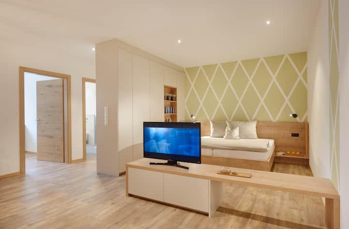 Appartment Waage, neu & modern Typ 1