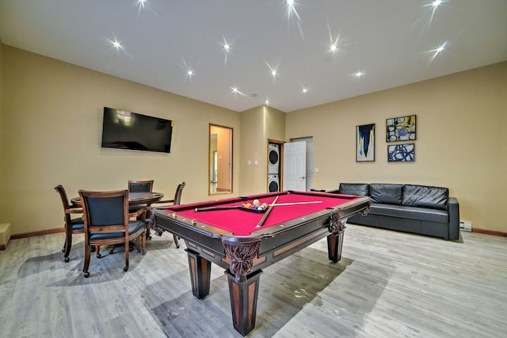 Camelback Home w/ Game Room, 1 Min to Skiing!