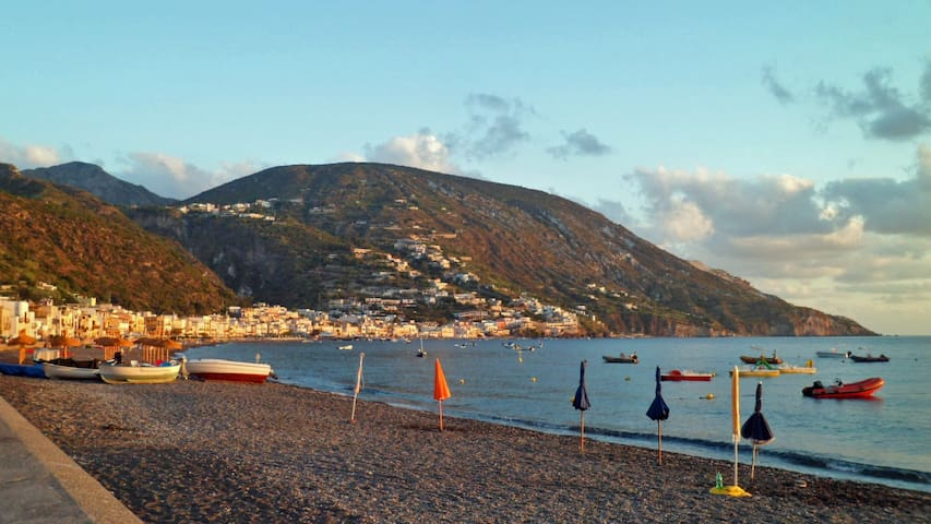 Lipari By the Beach (M+S)
