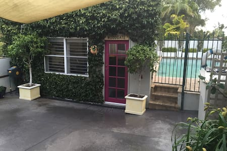 Studio near Pittwater and Mona Vale Beach. - Bayview