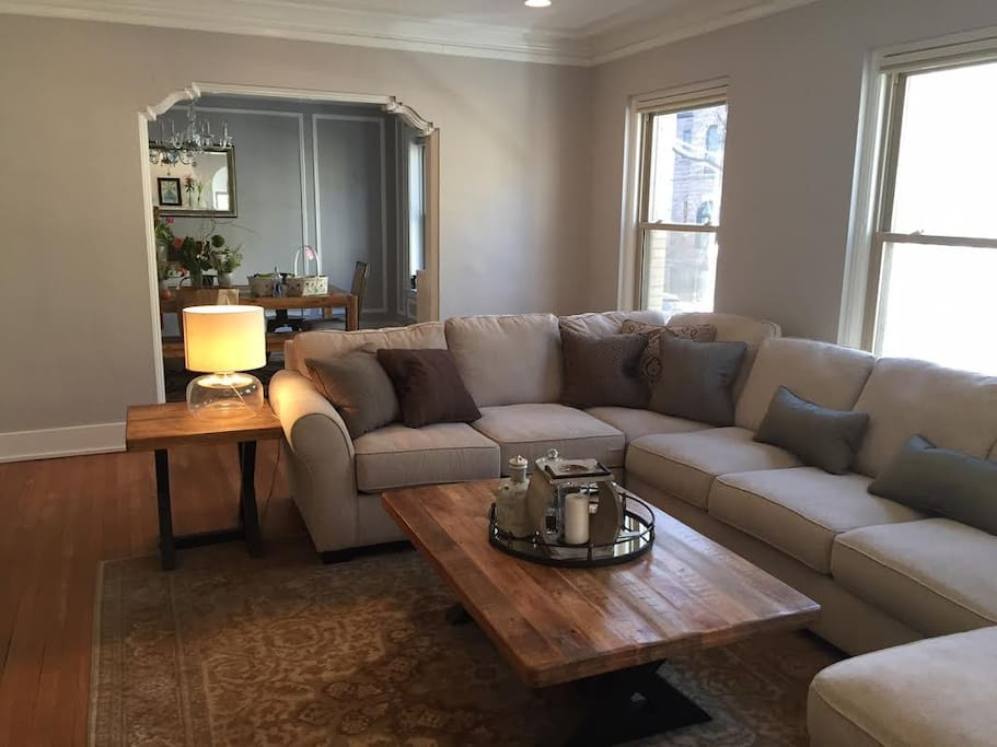 Spacious Condo In Lincoln Park Apartments For Rent In Chicago Illinois United States