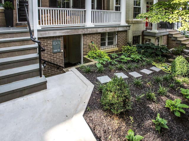 Entry way/ garden level