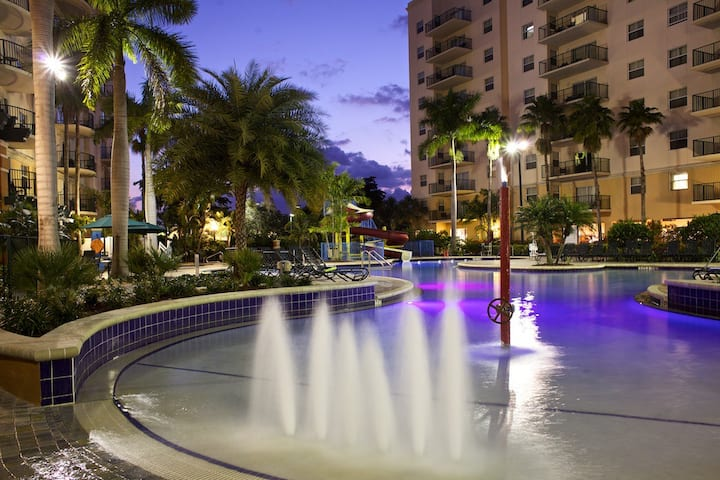 SPACIOUS 1 BEDROOM DELUXE at Wyndham Palm-Aire Resort ✦ Golf ✦ Pools ✦ Beach Access ✦ and MORE!