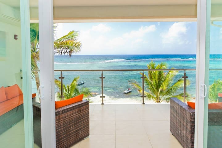Beautiful Oceanfront Sea Palm Villas 1 Bed Apt