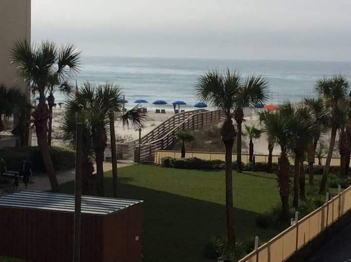 Relaxing Beachside Getaway, 2 bdr/2ba
